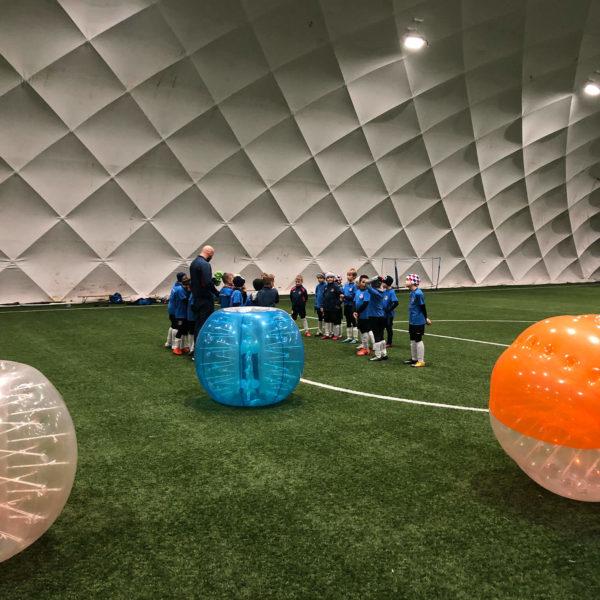 Trening dzieci w Warszawie w Bubble Football