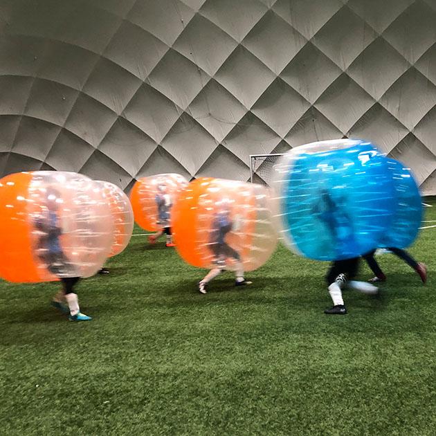Bubble Football dwóch drużyn